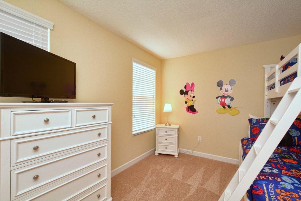 31-Bedroom 5.jpg