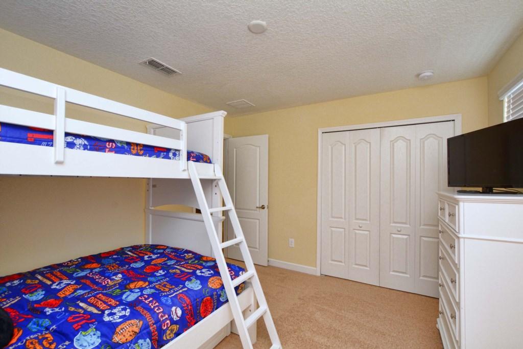 32-Bedroom 52.jpg