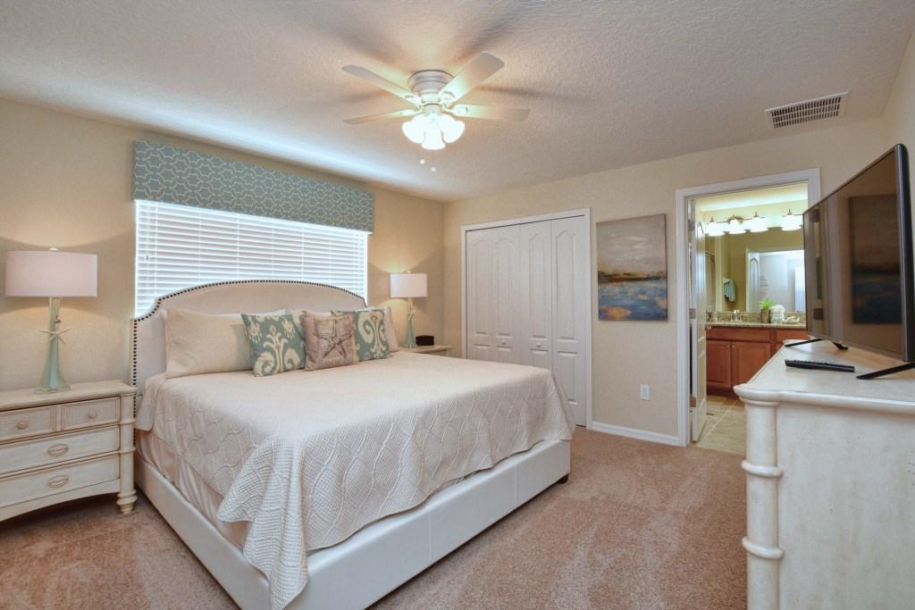 17-Bedroom2