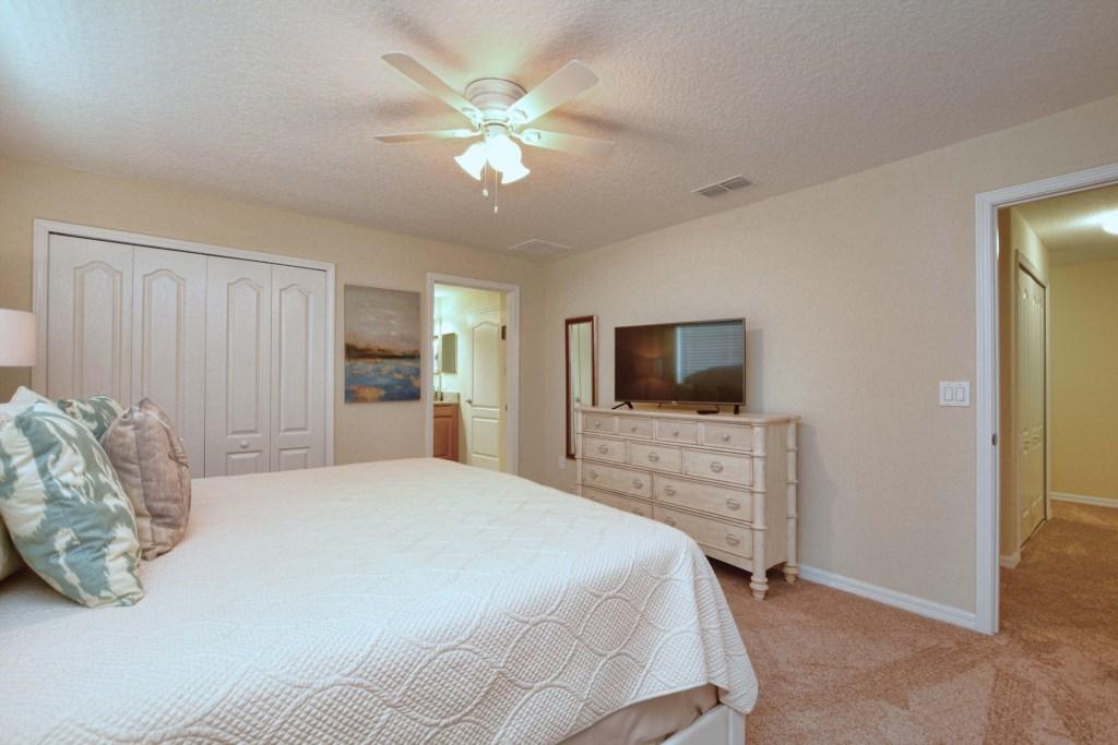 18-Bedroom22