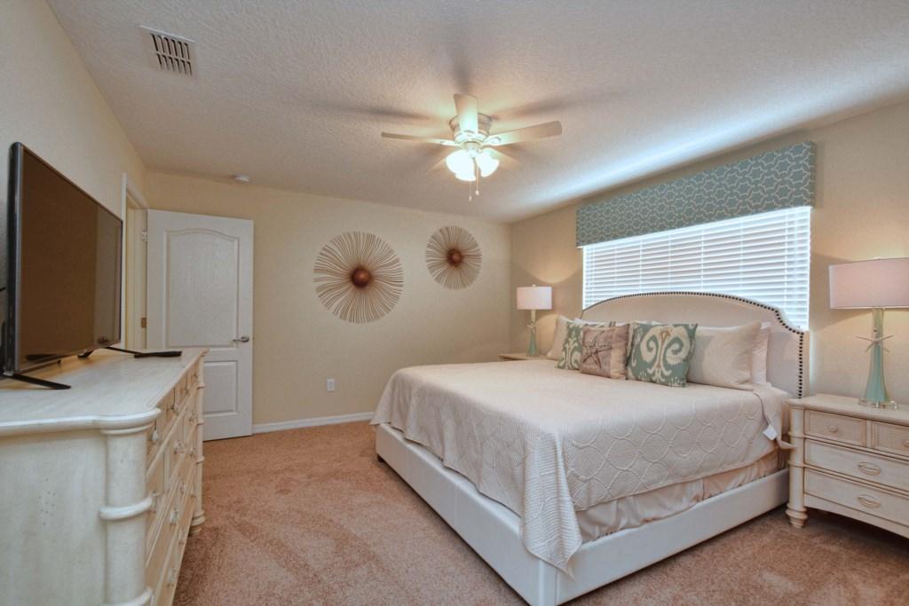 18-Bedroom23