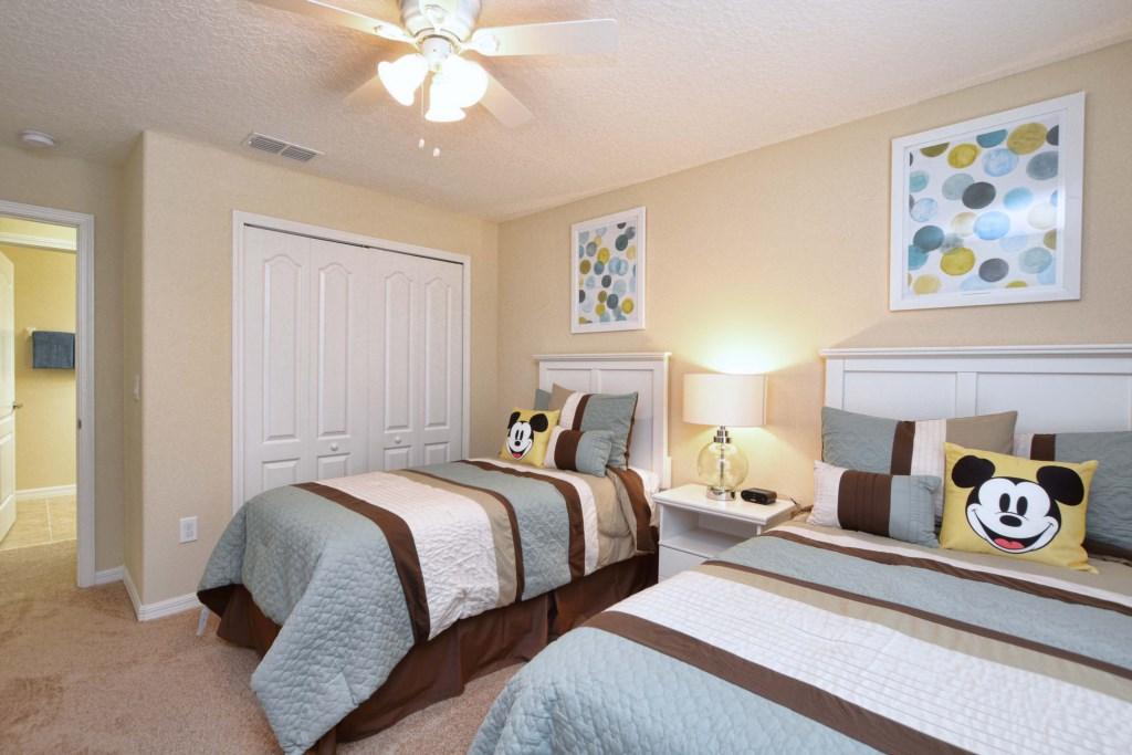 24-Bedroom42