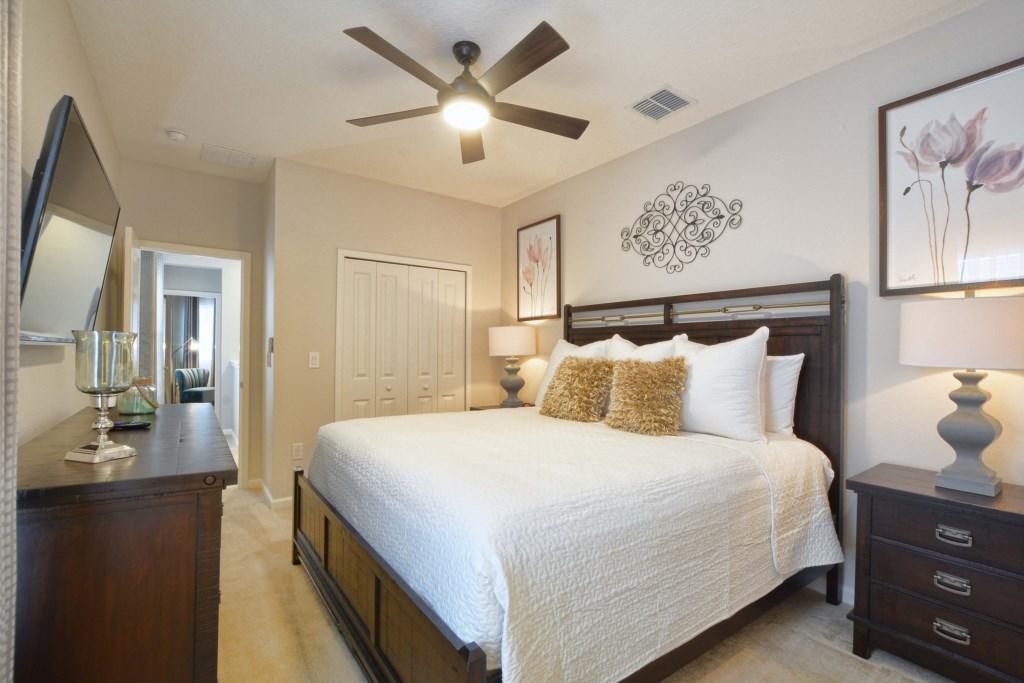 11-Bedroom22