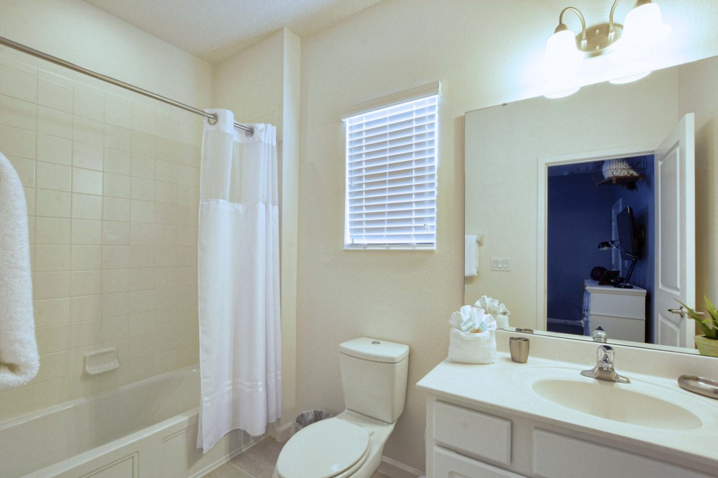 28-Bathroom4.jpg