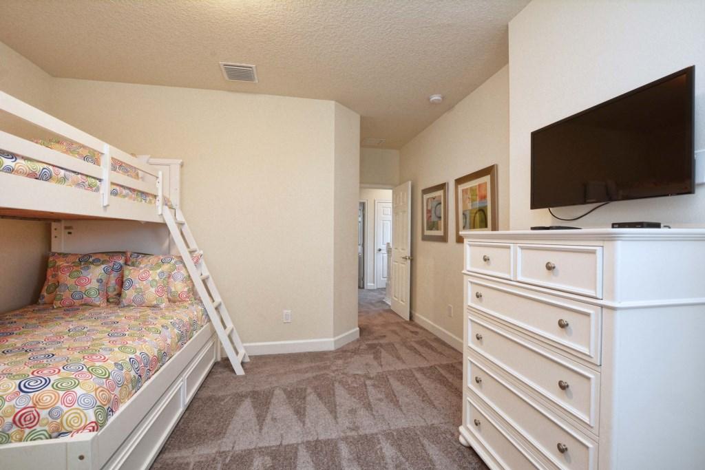 17-Bedroom32