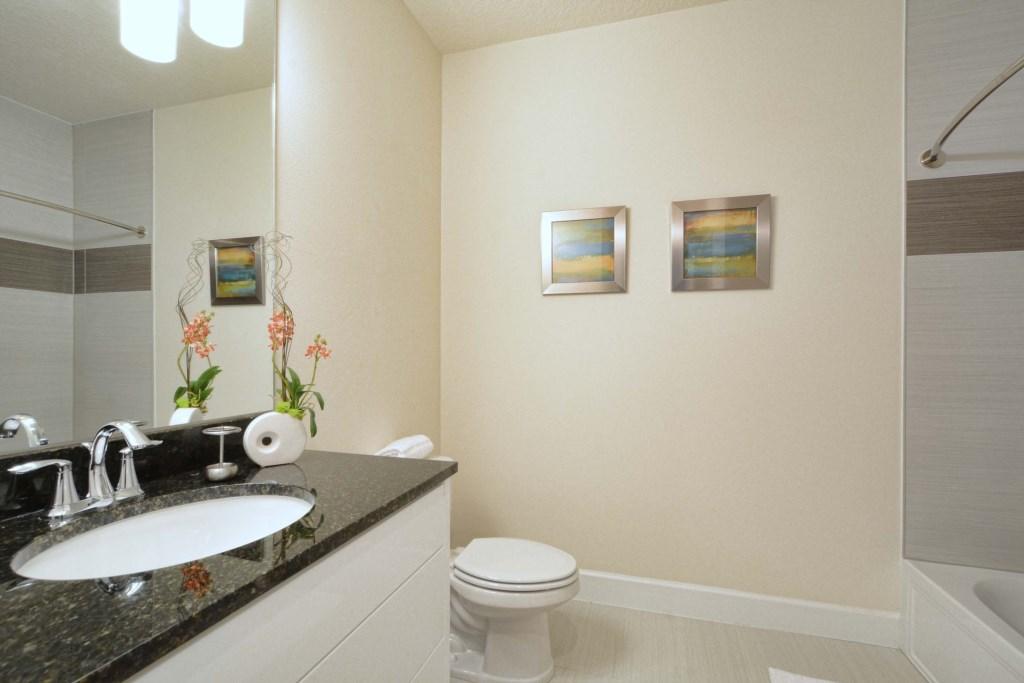 19-Bathroom3