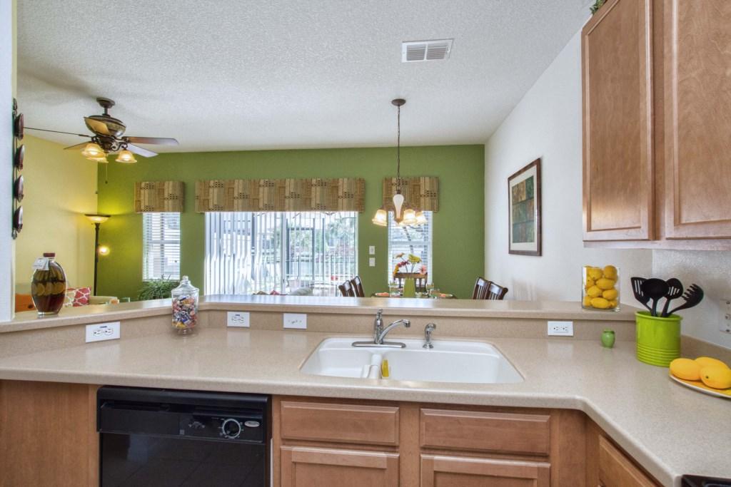 15-Kitchen3.jpg