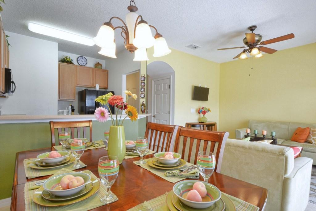 18-Dining Area2.jpg