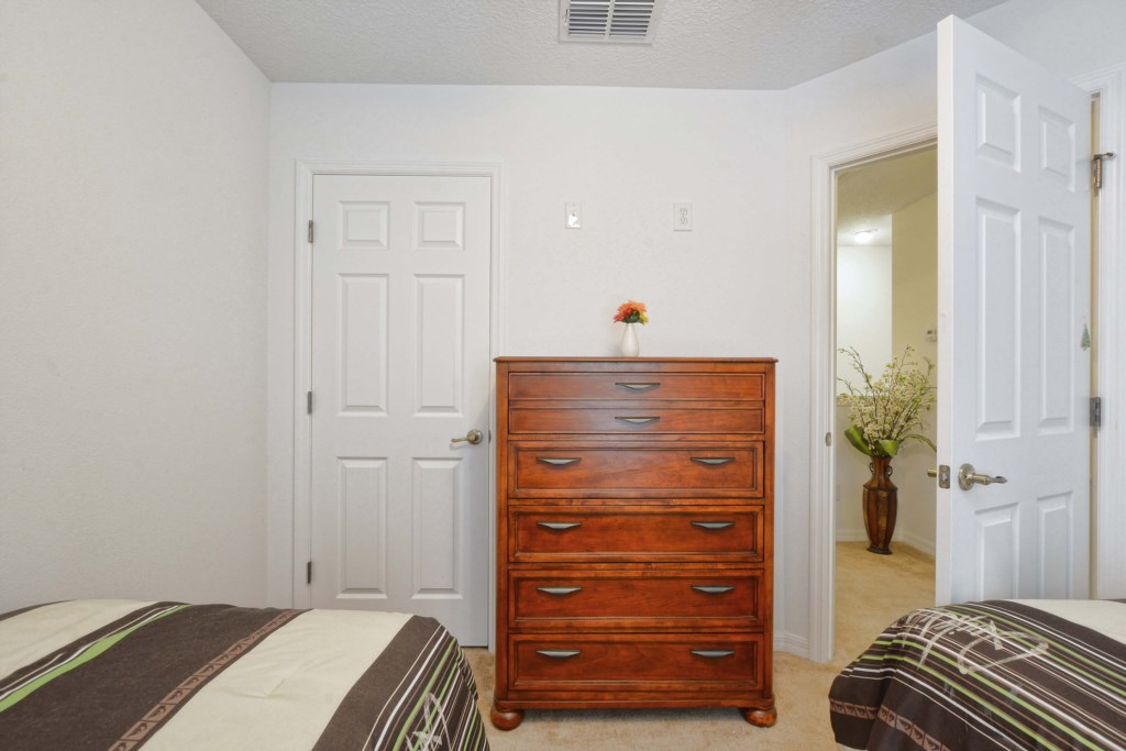26-Bedroom 32.jpg