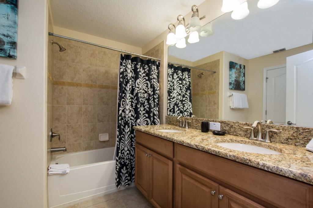 23-Bathroom2.jpg