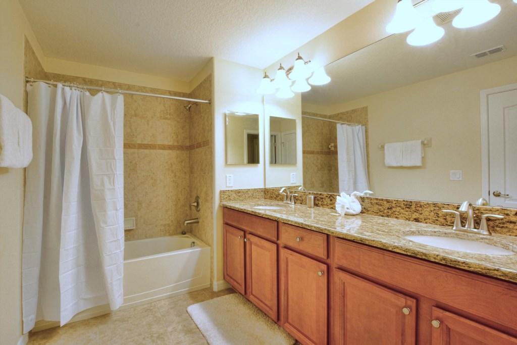 06-Bathroom2.jpg