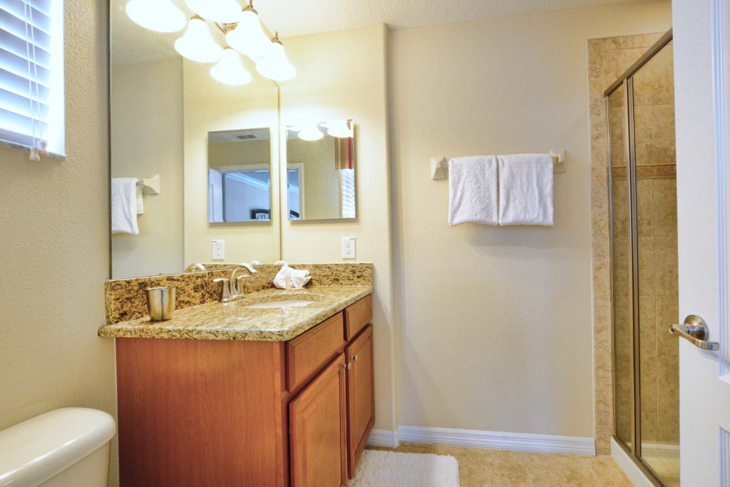 09-Bathroom4.jpg