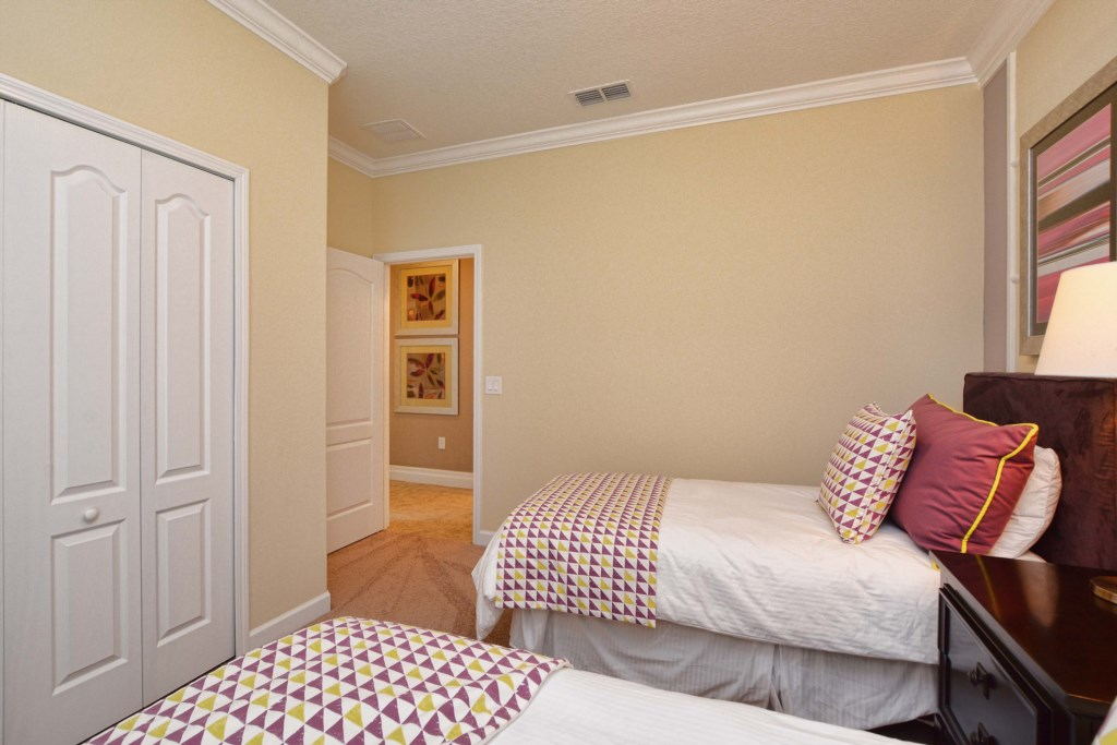 21-Bedroom 22.jpg
