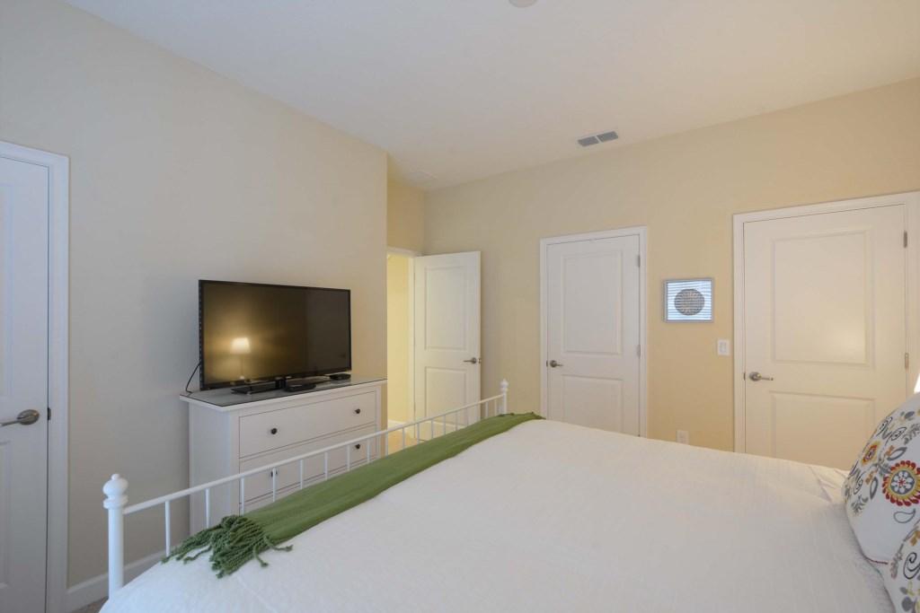 08-Bedroom2.jpg