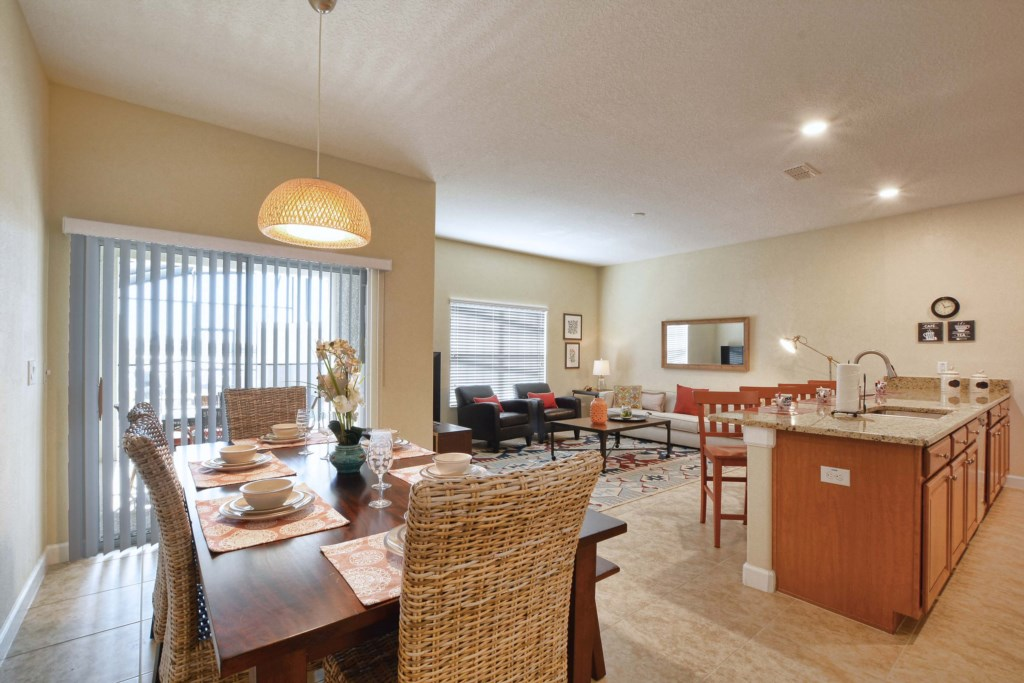 12-Dining Area.jpg