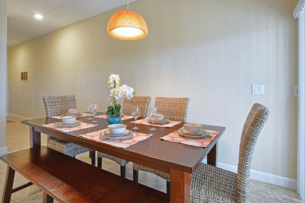 13-Dining Area2.jpg