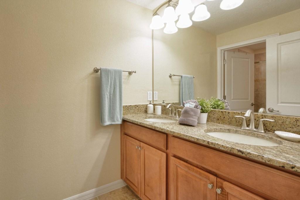22-Bathroom3.jpg