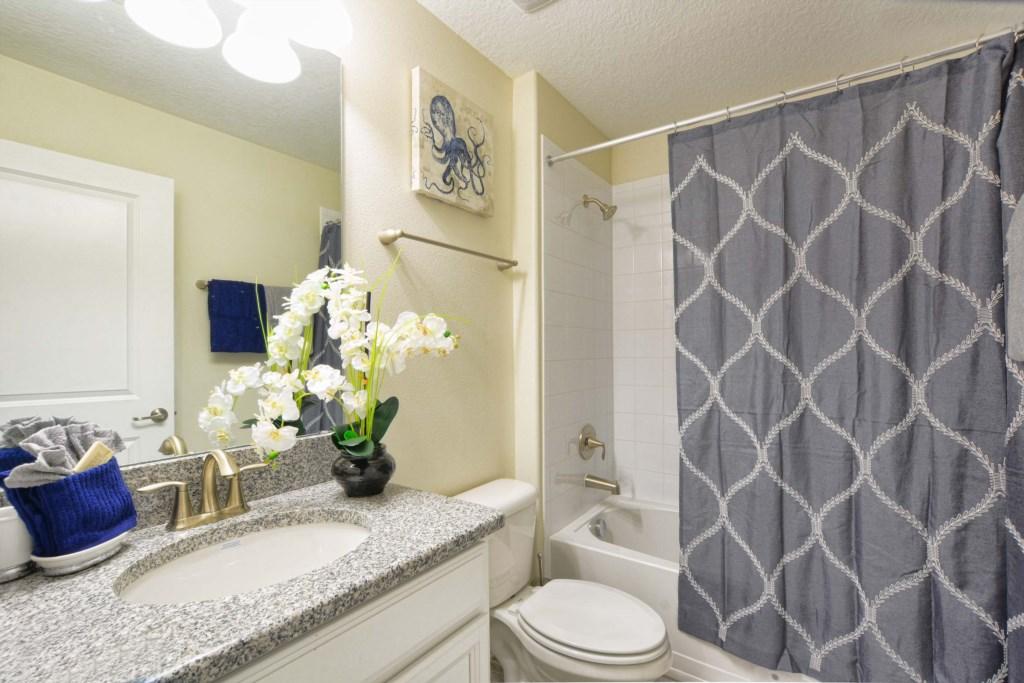 30-Bathroom3.jpg