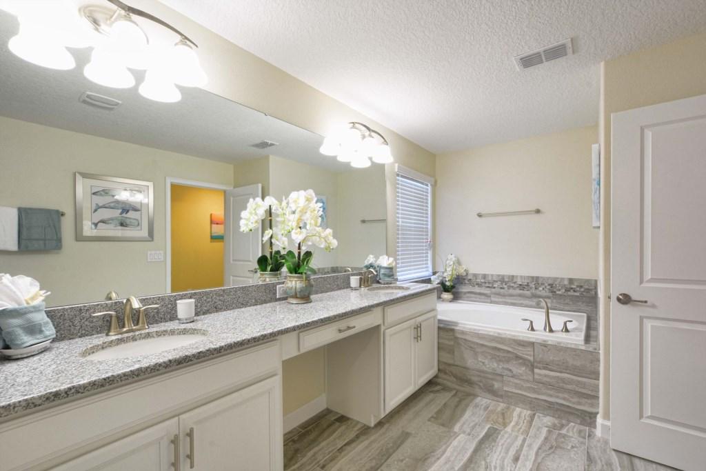33-Bathroom6.jpg