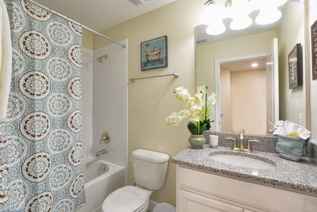 34-Bathroom4.jpg