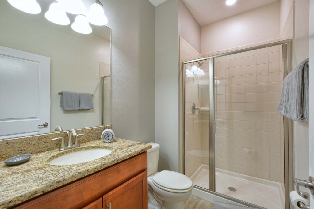 08-Bathroom.jpg