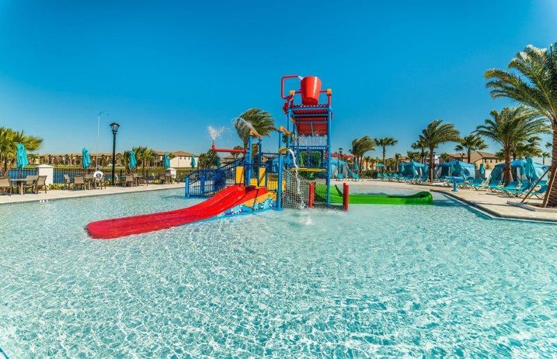 Resort Kid Splash Zone & Slide