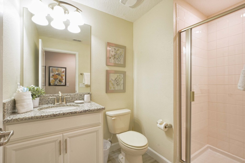 28-Bathroom3.jpg
