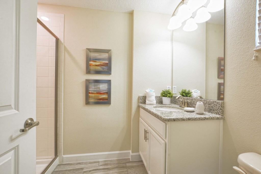 31-Bathroom4.jpg