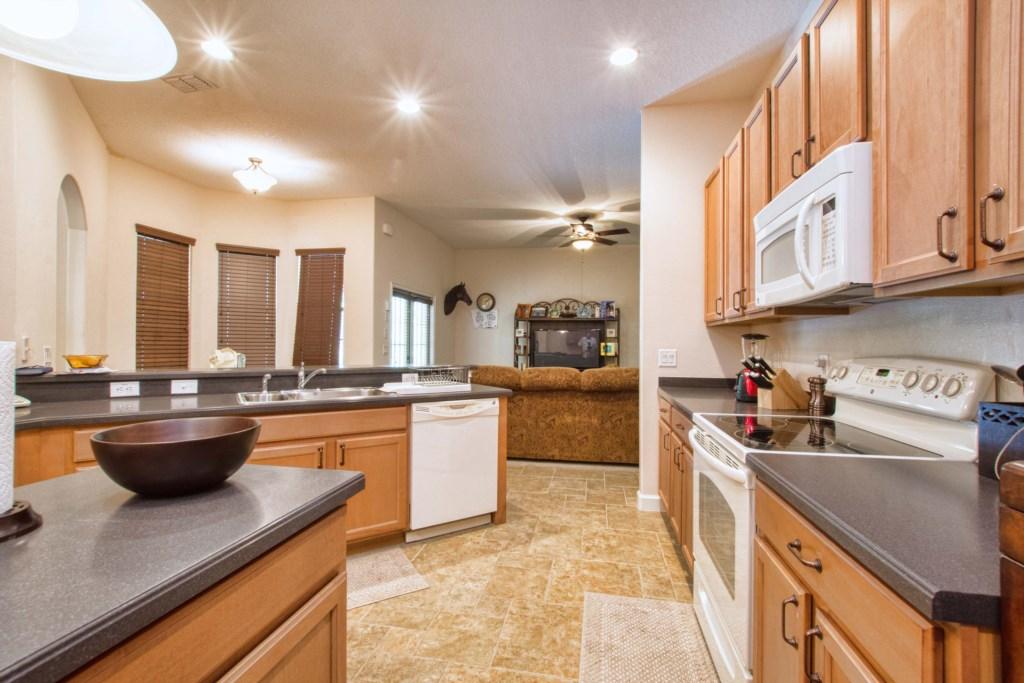 14-Kitchen4.jpg