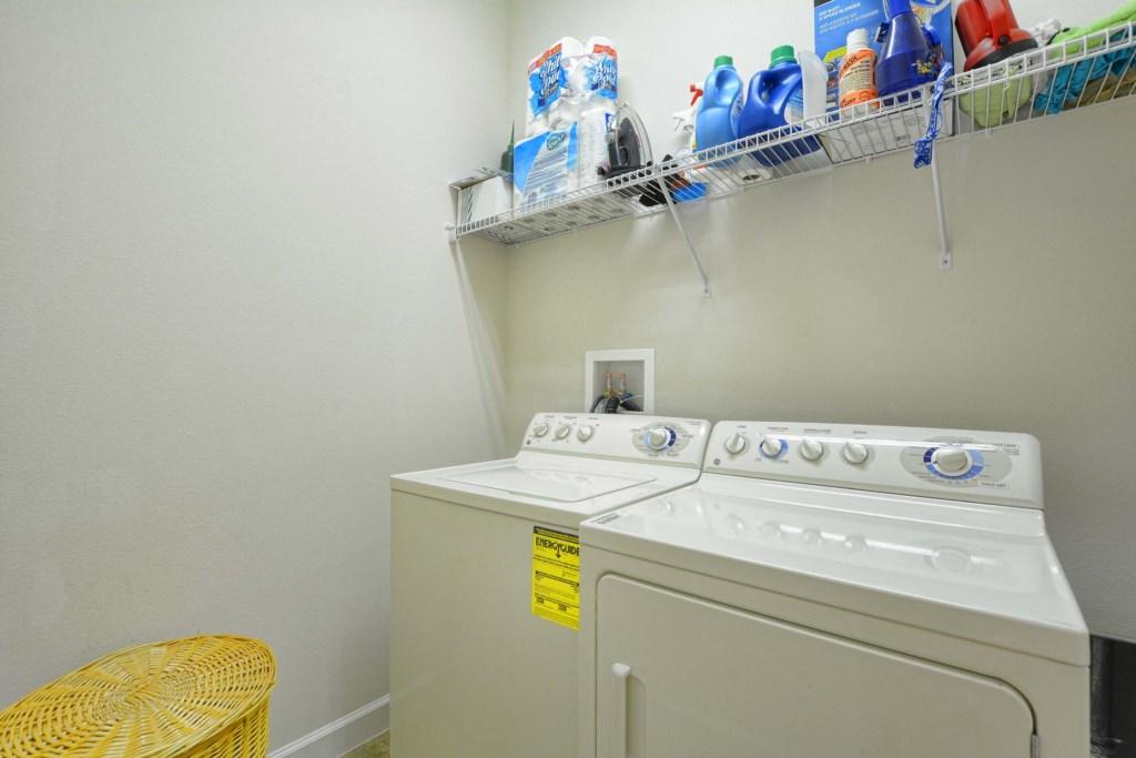 31-Laundry Room.jpg