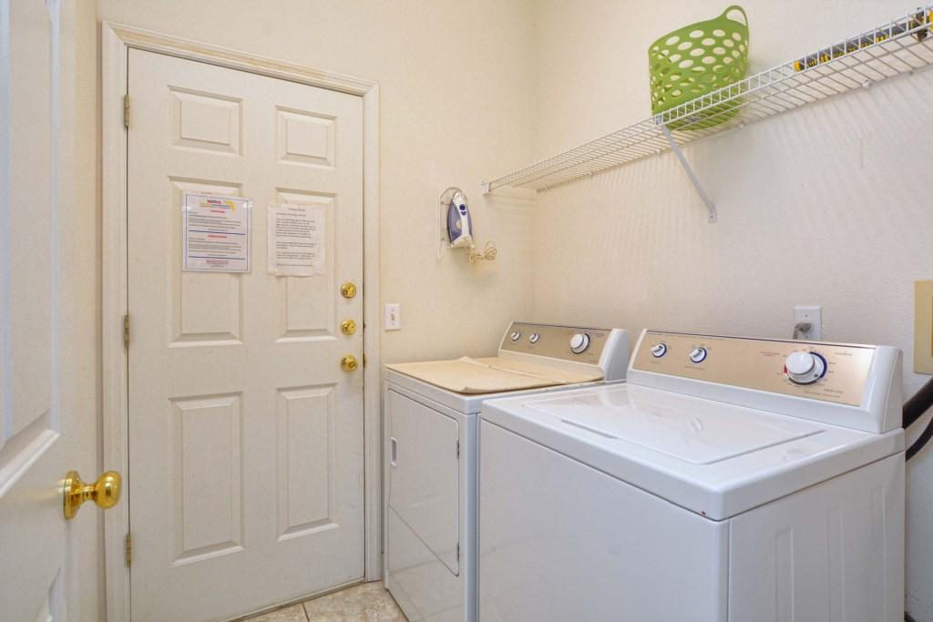13-Laundry Room.jpg