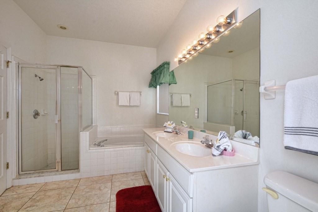 19-Bathroom2.jpg