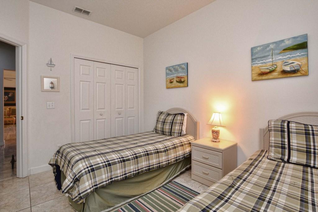 24-Bedroom2.jpg