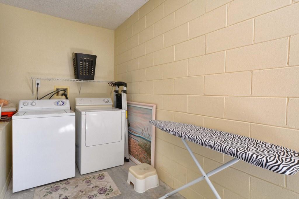 21-Laundry Room.jpg