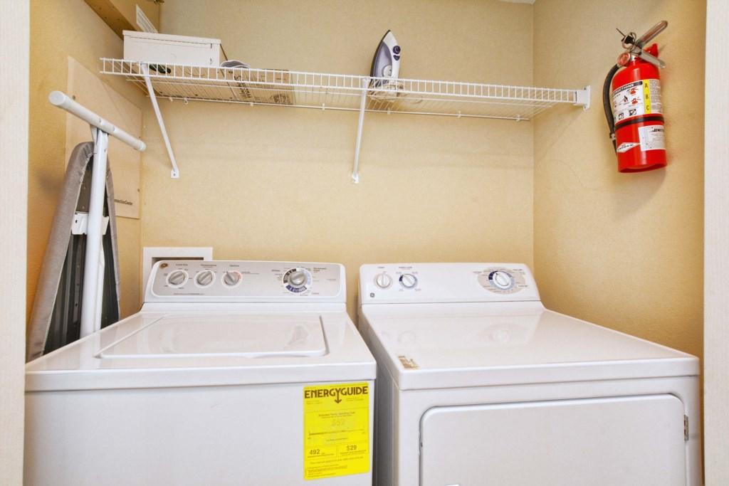 32-Laundry Room.jpg