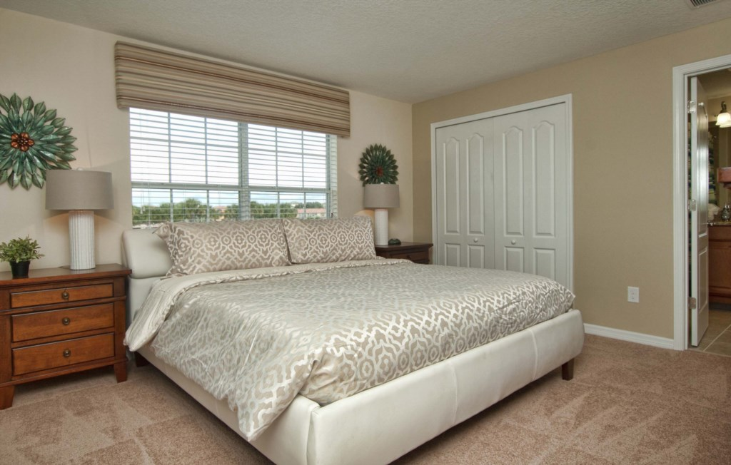 9-Master King Bedroom -3201.jpg