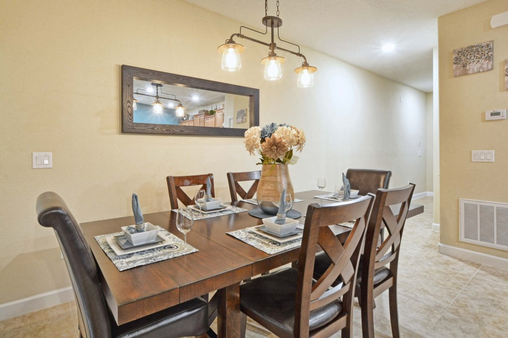 08-Dining Area2.jpg