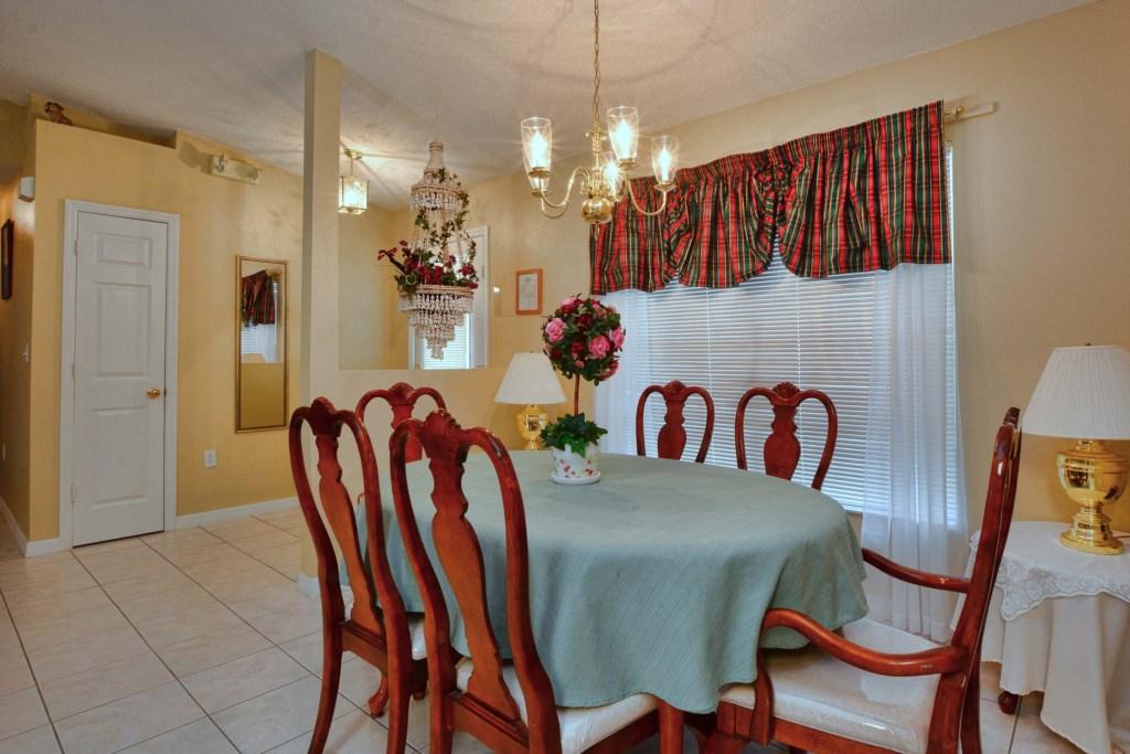 09-Dining Area.jpg