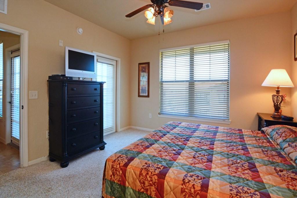 13 Bedroom3.jpg