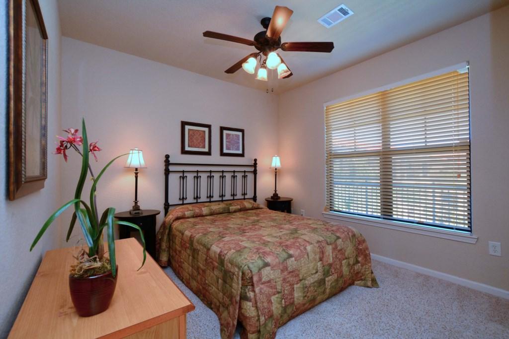 18 Bedroom 2.jpg