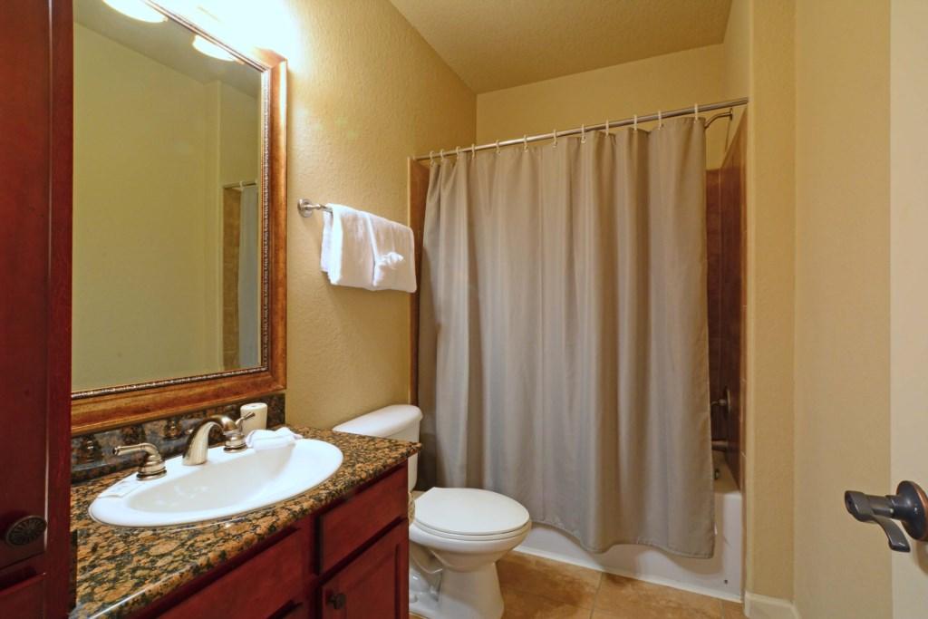 20 Bathroom3.jpg