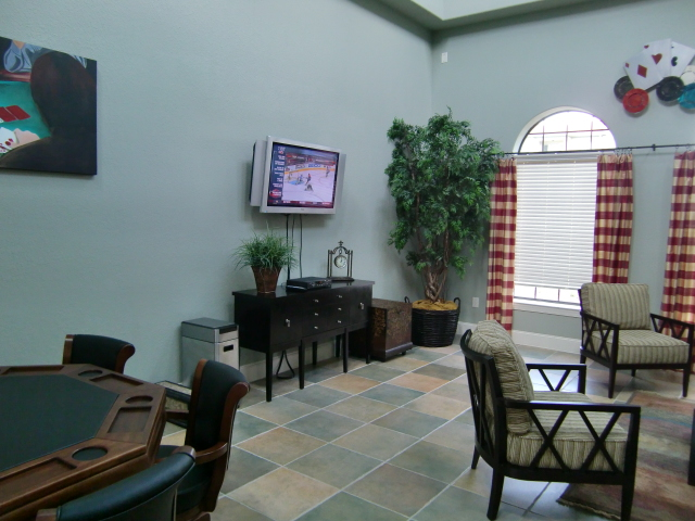 Insideclubhouse1