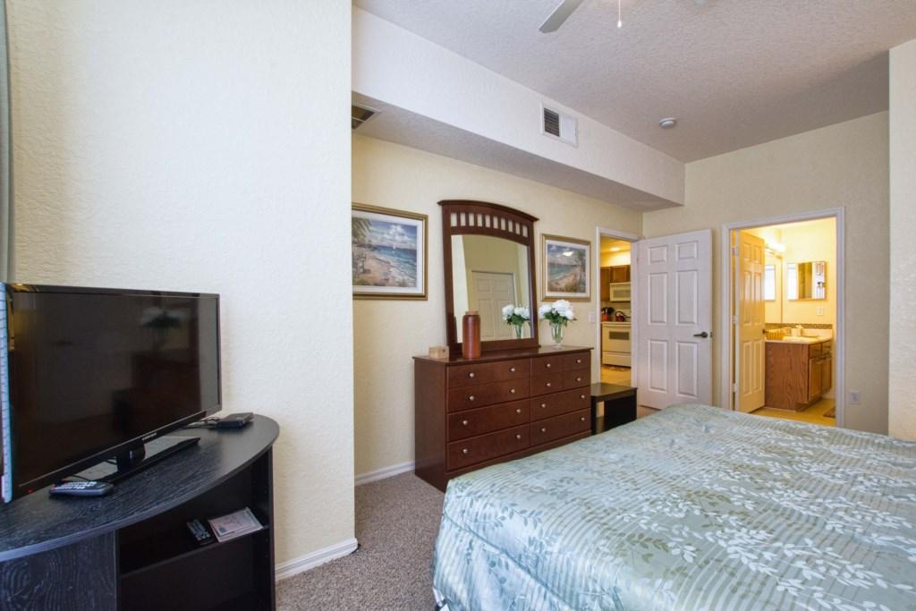 13-Bedroom2