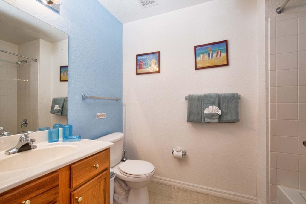 17-Bathroom2