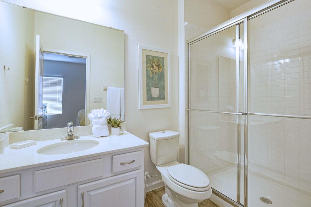 17-Bathroom7.jpg