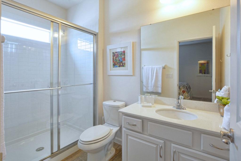 23-Bathroom8.jpg