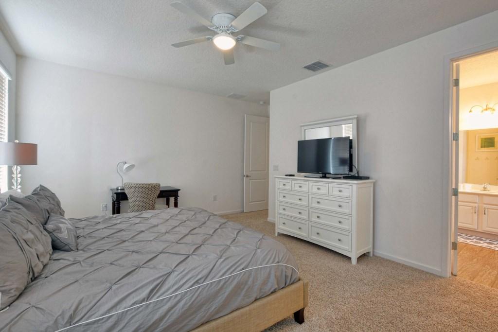 35-Bedroom2.jpg
