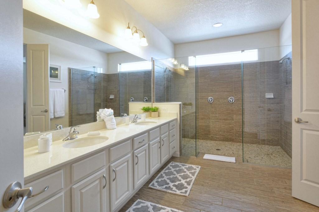 37-Bathroom2.jpg
