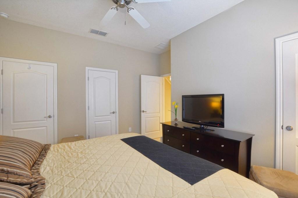 05-Bedroom2.jpg