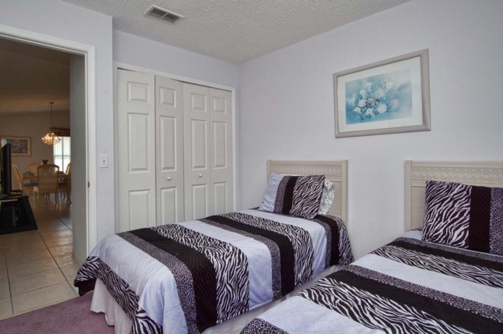 Bedroom 34.jpg